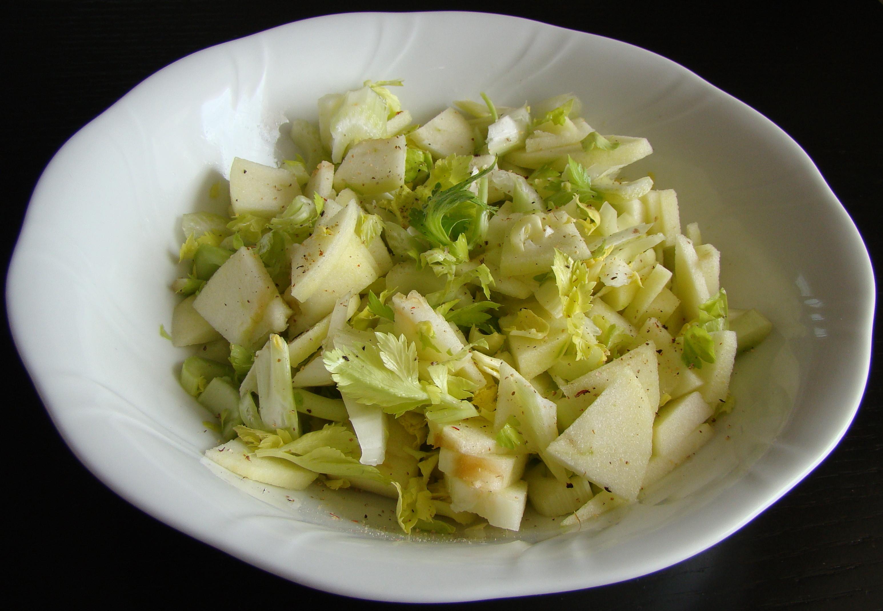 Alimentos para adelgazar receta ensalada de repollo - Ensalada de apio y zanahoria ...
