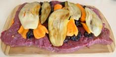 lomo-entrecot-relleno-de-pasas-berenjenas-zanahoria