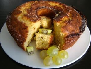 CAKE DE KIWI Y UVAS BLANCAS