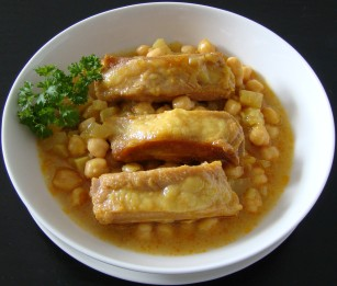 COSTILLAS CON GARBANZOS.jpg